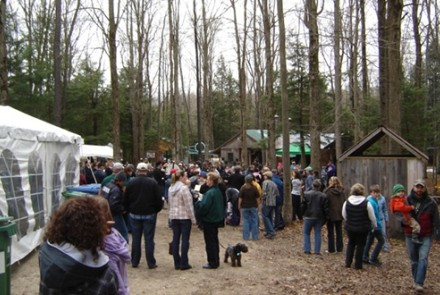 Crowd at Love's Sugarbush