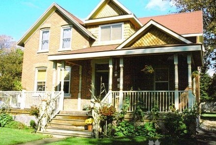 Exterior View of Britannia House Bed & Breakfast