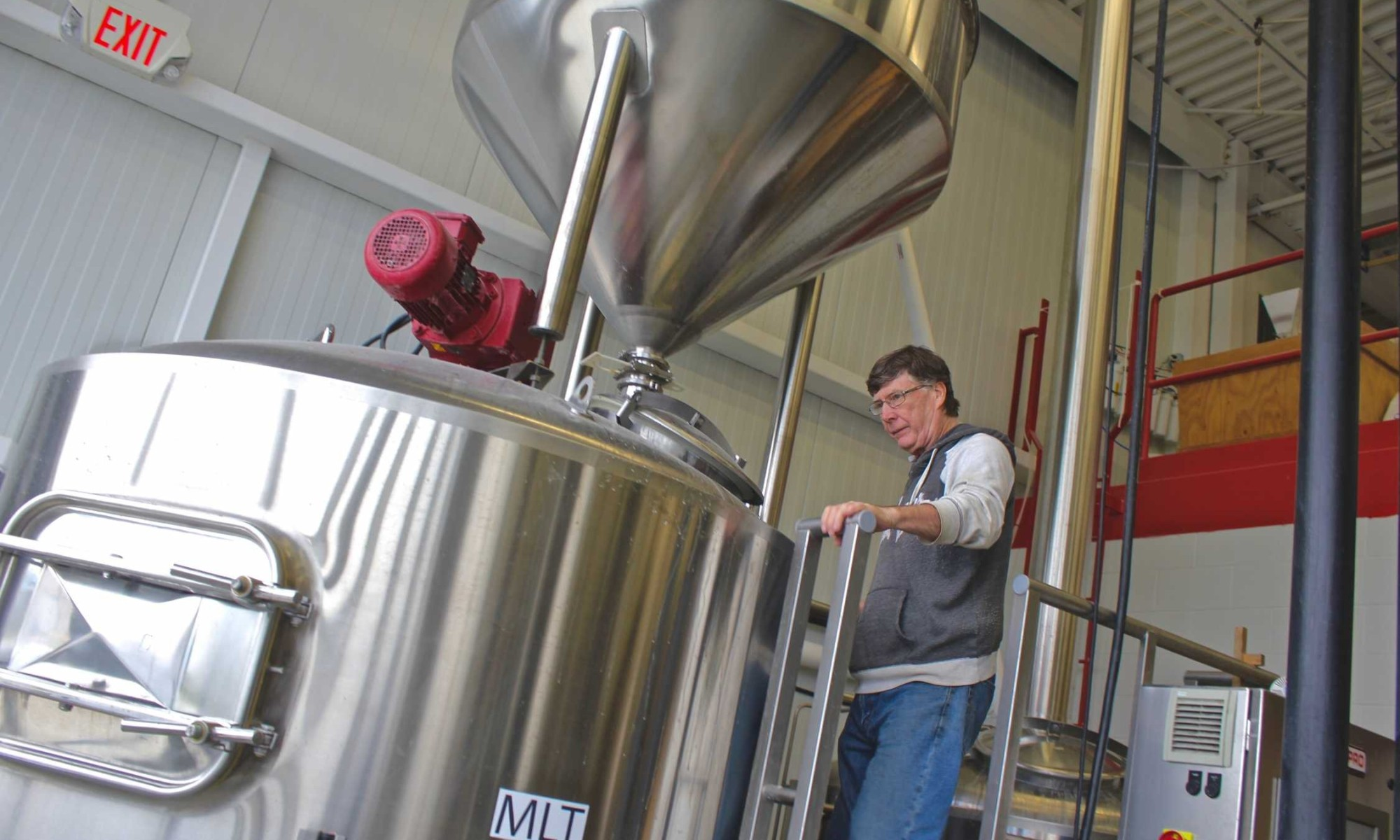 Charles with the fermenter